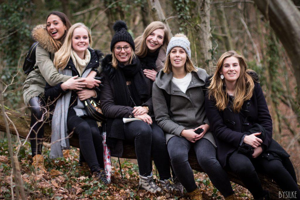 groepsfoto in het bos